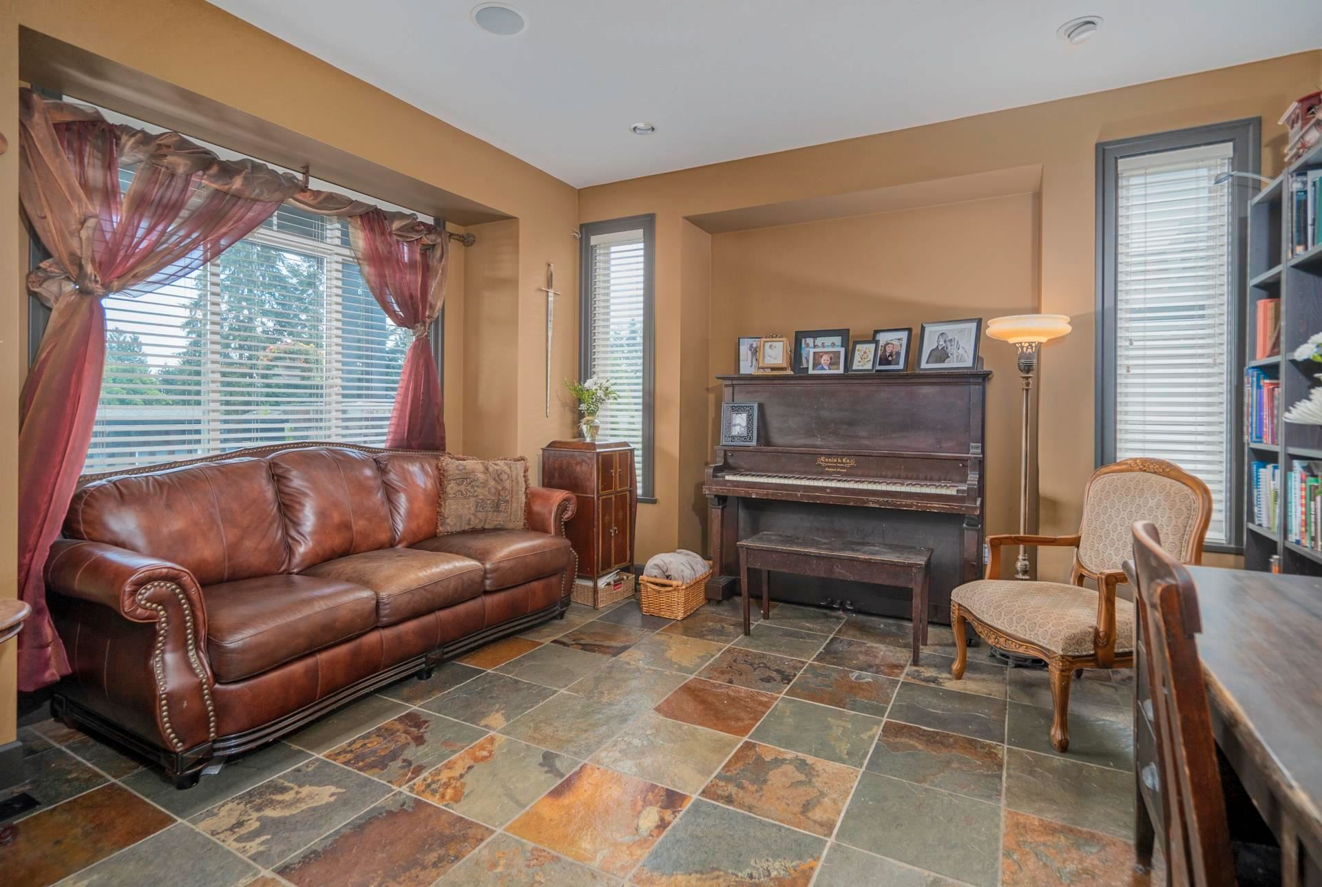 """Photo 14: Photos: 1662 KNAPPEN Street in Port Coquitlam: Lower Mary Hill House for sale in """"Knappen Gardens"""" : MLS®# R2593877"""