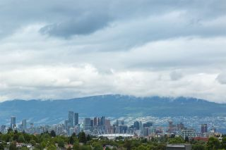 """Photo 19: PH1 4372 FRASER Street in Vancouver: Fraser VE Condo for sale in """"THE SHERIDAN"""" (Vancouver East)  : MLS®# R2082192"""