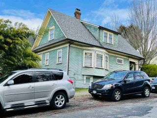 Photo 3: 1251 WOODLAND Drive in Vancouver: Grandview Woodland House for sale (Vancouver East)  : MLS®# R2542350