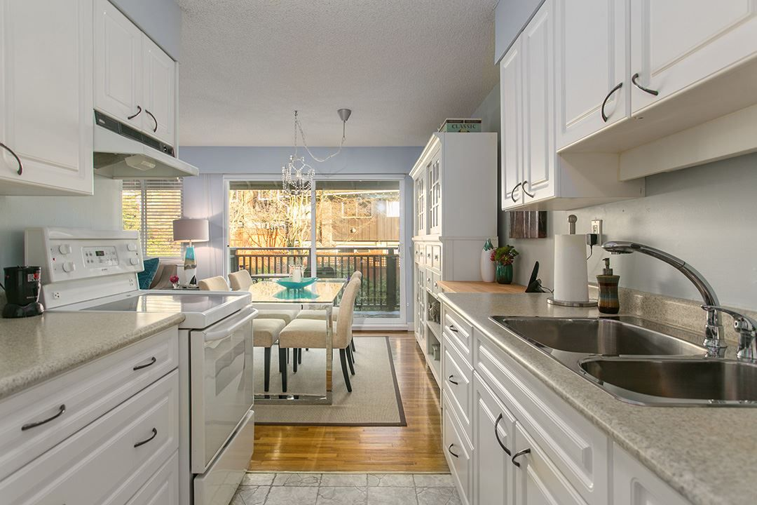 """Main Photo: 208 555 W 28TH Street in North Vancouver: Upper Lonsdale Townhouse for sale in """"CEDAR BROOKE VILLAGE"""" : MLS®# R2129718"""