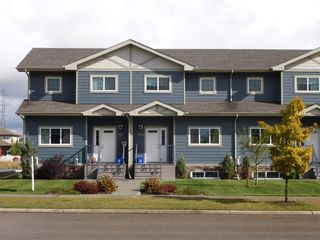 Main Photo: 151 Vanier Drive: Red Deer Row/Townhouse for sale : MLS®# A1065349