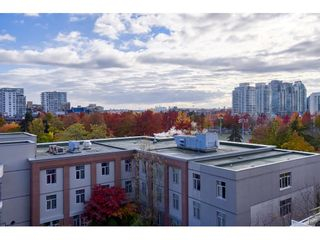 "Photo 8: 708 550 TAYLOR Street in Vancouver: Downtown VW Condo for sale in ""TAYLOR"" (Vancouver West)  : MLS®# R2536800"