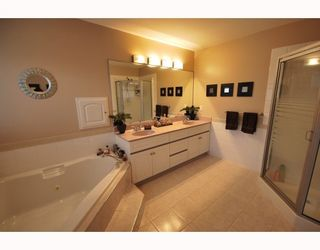 Photo 8: 4 8693 NO 3 Road in Richmond: Broadmoor Townhouse for sale : MLS®# V780928