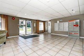 """Photo 18: 312 5710 201 Street in Langley: Langley City Condo for sale in """"WHITE OAKS"""" : MLS®# R2387162"""