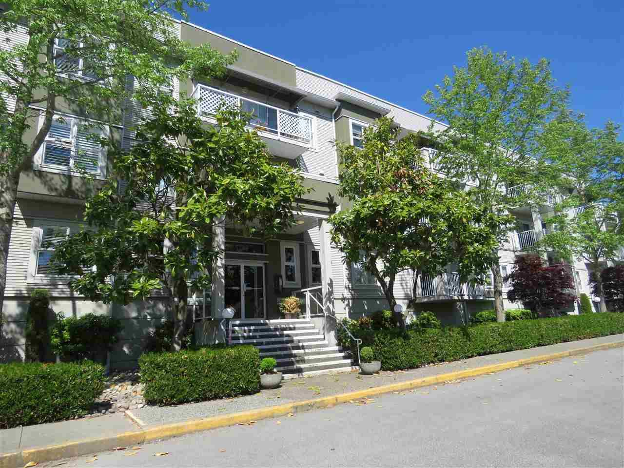"Main Photo: 112 4738 53 Street in Delta: Delta Manor Condo for sale in ""SUNNINGDALE ESTATES"" (Ladner)  : MLS®# R2193673"