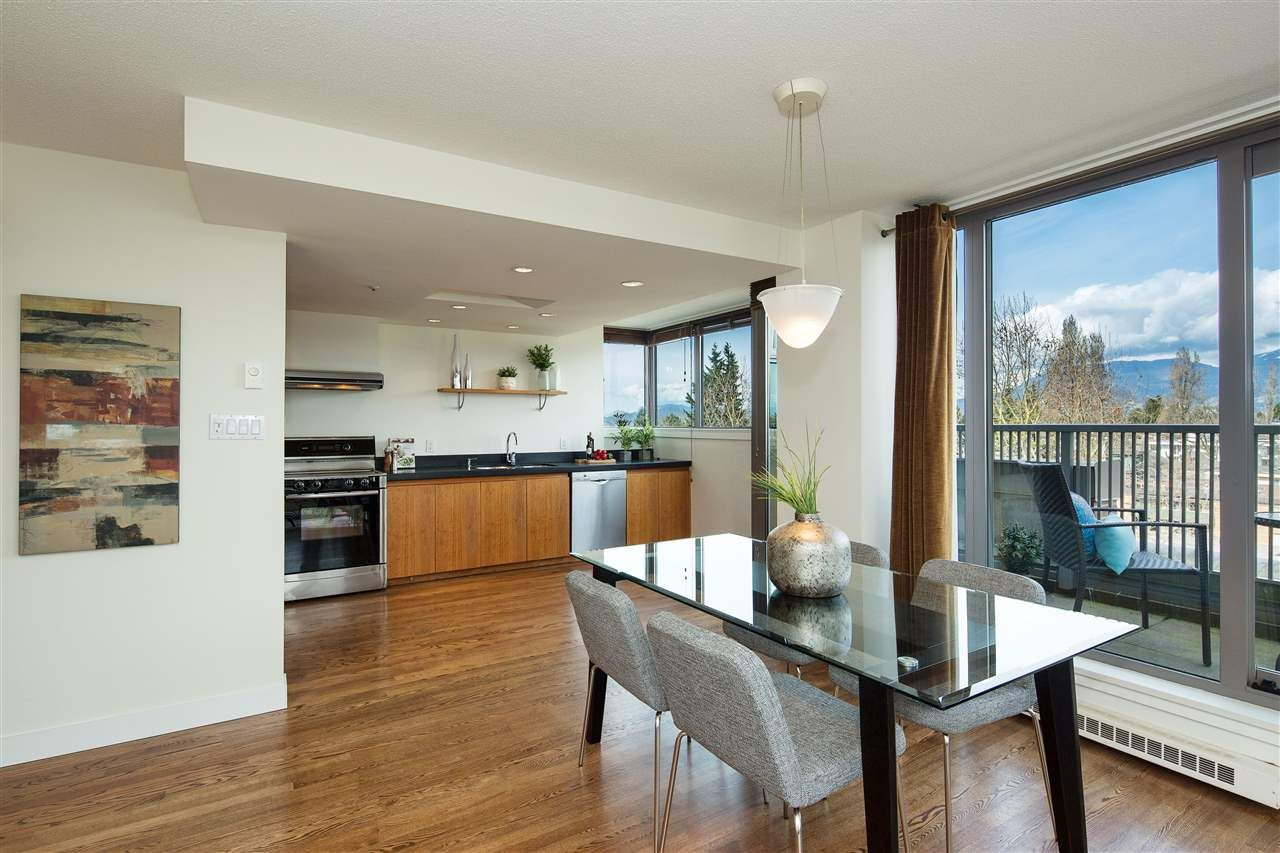 "Photo 6: Photos: 702 2483 YEW Street in Vancouver: Kitsilano Condo for sale in ""NEW POINTE TERRACE"" (Vancouver West)  : MLS®# R2264721"