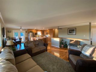 Photo 5: 13 BORLAND Drive: 150 Mile House House for sale (Williams Lake (Zone 27))  : MLS®# R2573415