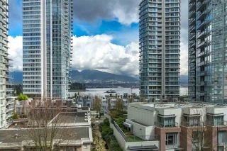 """Photo 3: 401 1228 W HASTINGS Street in Vancouver: Coal Harbour Condo for sale in """"PALLADIO"""" (Vancouver West)  : MLS®# R2258728"""