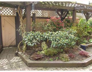 """Photo 9: 1620 BALSAM Street in Vancouver: Kitsilano Condo for sale in """"OLD KITS TOWNHOMES"""" (Vancouver West)  : MLS®# V641179"""