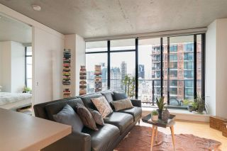 """Photo 6: 2606 108 W CORDOVA Street in Vancouver: Downtown VW Condo for sale in """"WOODWARDS"""" (Vancouver West)  : MLS®# R2237900"""