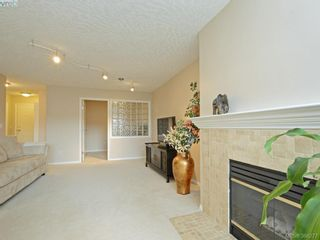 Photo 3: 206 535 Manchester Rd in VICTORIA: Vi Burnside Condo for sale (Victoria)  : MLS®# 780279