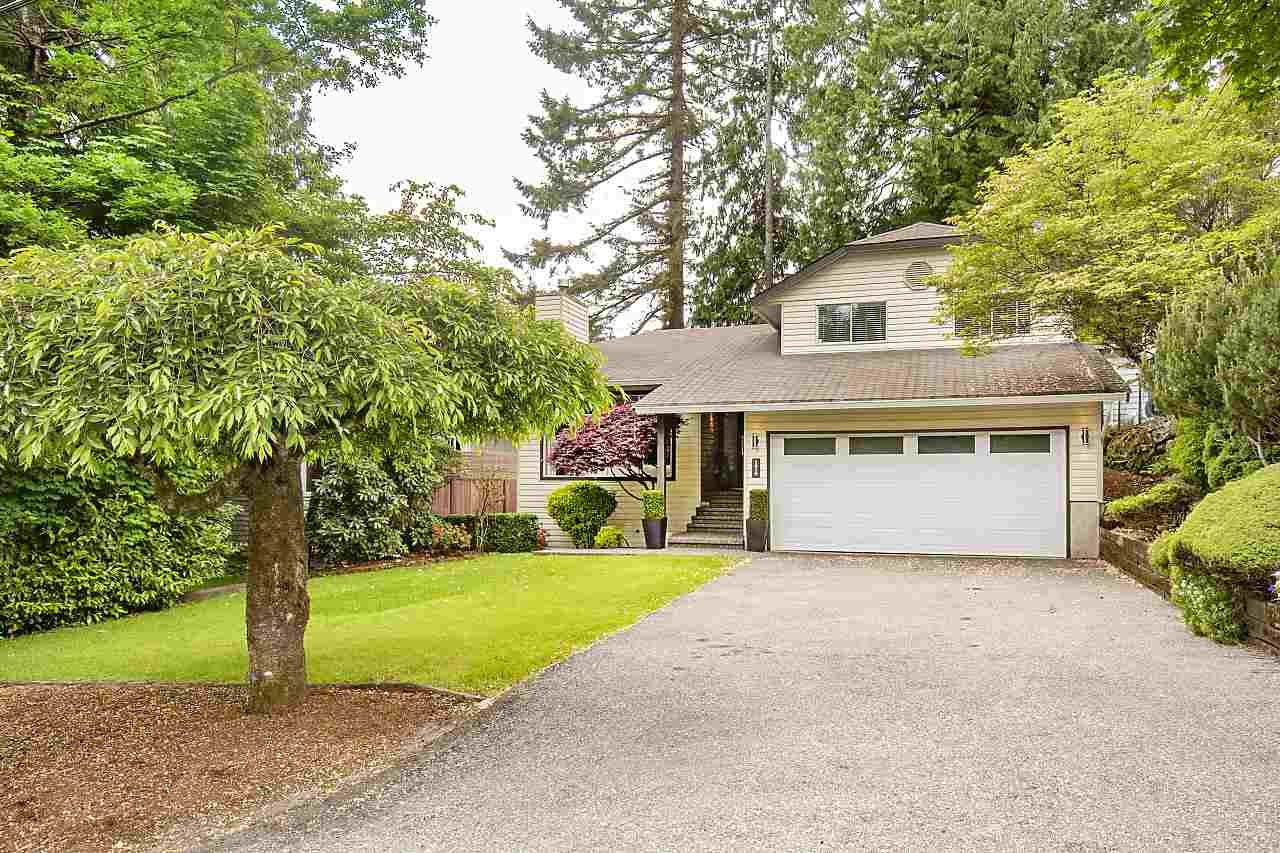 Main Photo: 1919 BANBURY Road in North Vancouver: Deep Cove House for sale : MLS®# R2457460