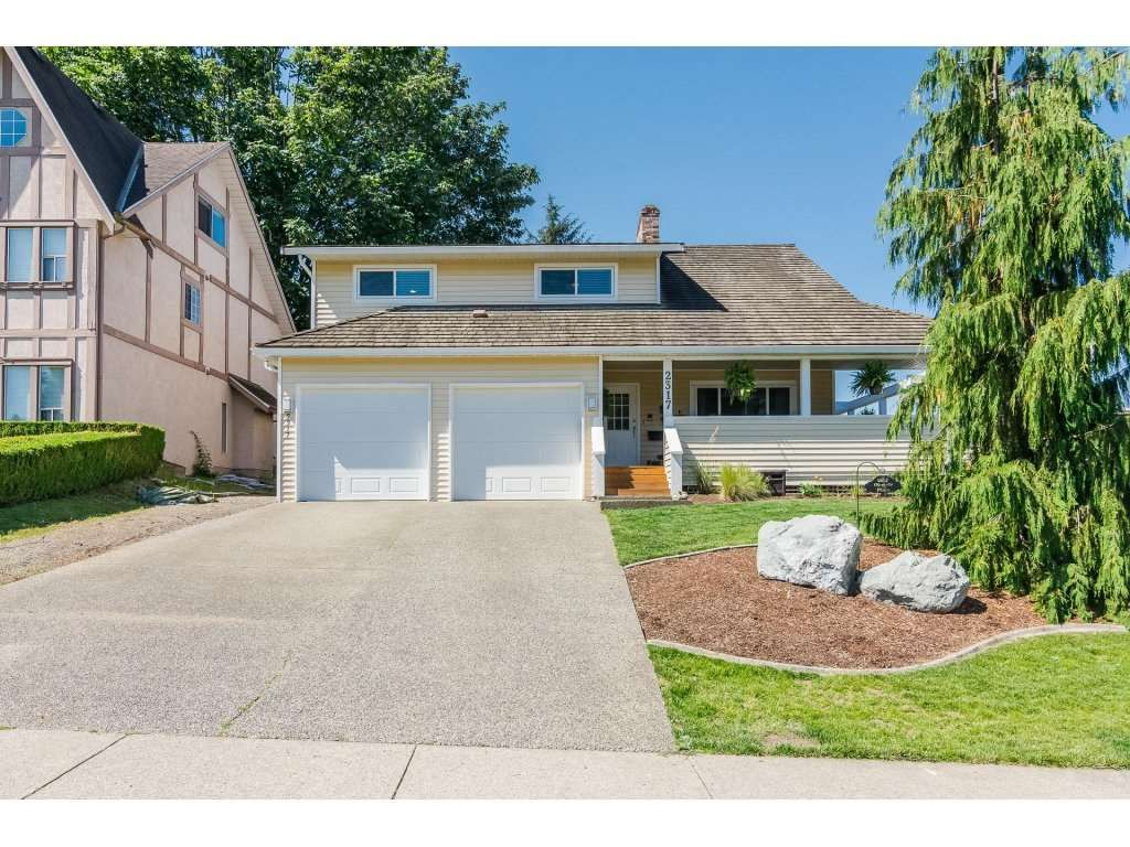 """Main Photo: 2317 OLYMPIA Place in Abbotsford: Abbotsford East House for sale in """"McMillan"""" : MLS®# R2282055"""