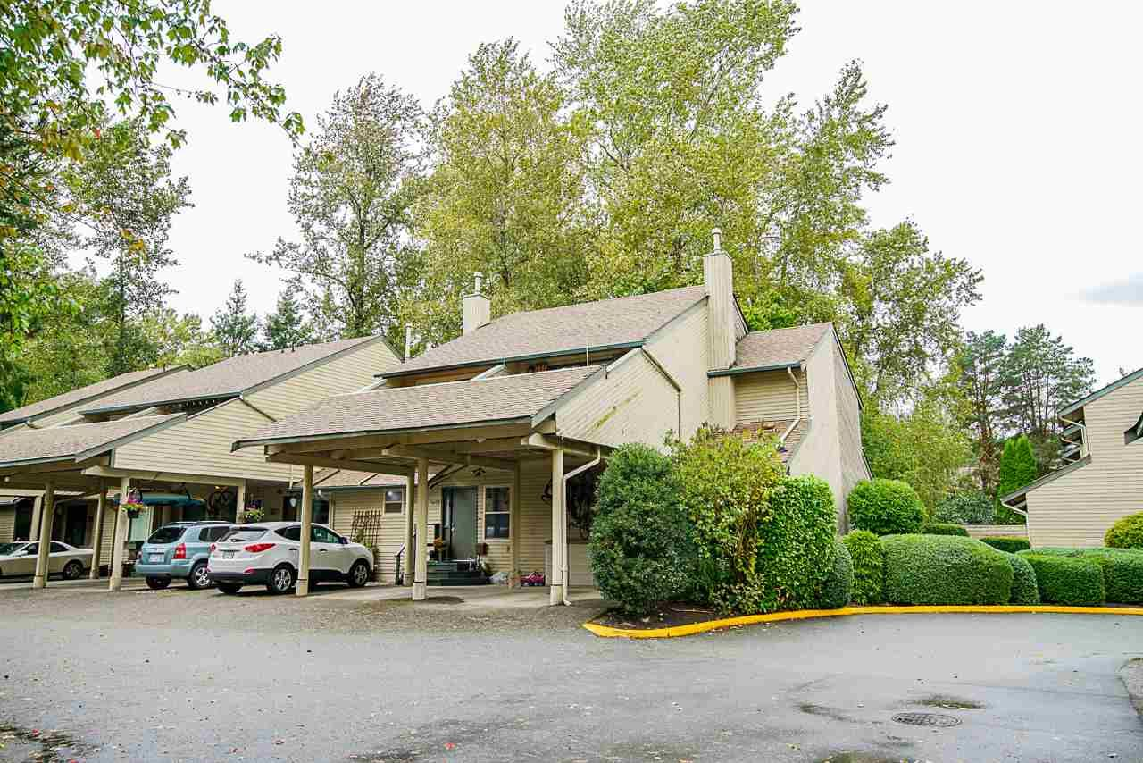 """Main Photo: 1875 LILAC Drive in Surrey: King George Corridor Townhouse for sale in """"ALDERWOOD"""" (South Surrey White Rock)  : MLS®# R2501733"""