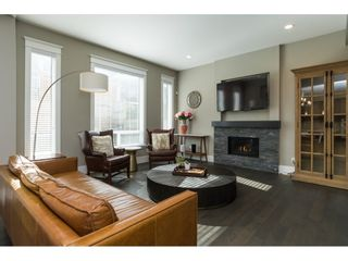 Photo 4: 15776 MOUNTAIN VIEW Drive in Surrey: Grandview Surrey House for sale (South Surrey White Rock)  : MLS®# R2145036