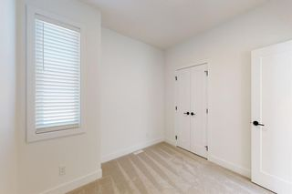 Photo 23: 2422 53 Avenue SW in Calgary: North Glenmore Park Detached for sale : MLS®# A1142924