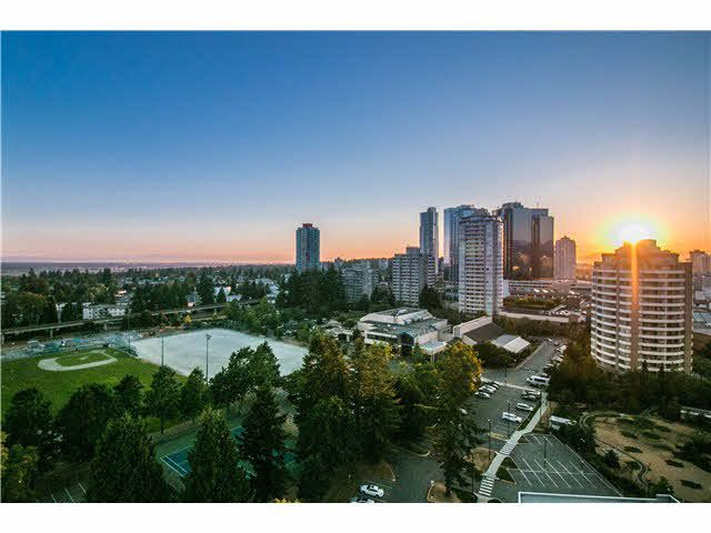 """Main Photo: 2008 6588 NELSON Avenue in Burnaby: Metrotown Condo for sale in """"THE MET"""" (Burnaby South)  : MLS®# V1132470"""