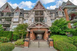 """Photo 3: 416 17769 57 Avenue in Surrey: Cloverdale BC Condo for sale in """"CLOVER DOWNS ESTATES"""" (Cloverdale)  : MLS®# R2601753"""