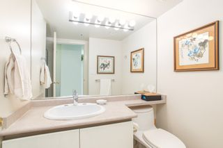 """Photo 10: 2205 930 CAMBIE Street in Vancouver: Yaletown Condo for sale in """"Pacific Place Landmark II"""" (Vancouver West)  : MLS®# R2394764"""