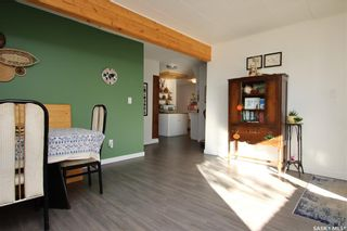 Photo 3: 431 X Avenue South in Saskatoon: Meadowgreen Residential for sale : MLS®# SK872070