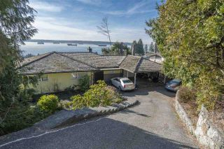 Main Photo: 2510 QUEENS Avenue in West Vancouver: Dundarave House for sale : MLS®# R2565075