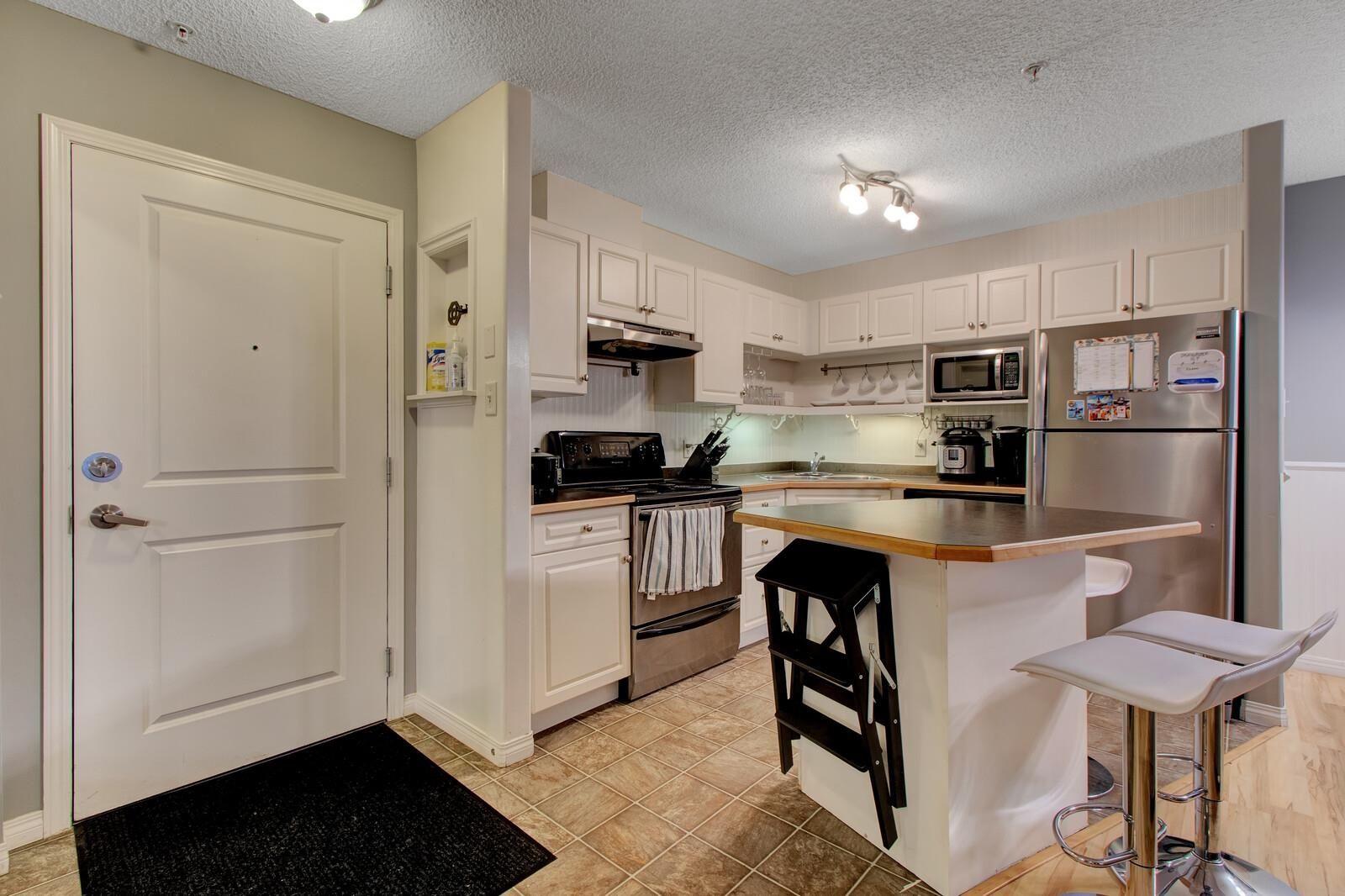Main Photo: 131 11325 83 Street in Edmonton: Zone 05 Condo for sale : MLS®# E4259176