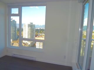 """Photo 3: 1803 5665 BOUNDARY Road in Vancouver: Collingwood VE Condo for sale in """"Wall Centre"""" (Vancouver East)  : MLS®# R2625088"""