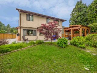 Photo 1: 5757 SURF Circle in Sechelt: Sechelt District House for sale (Sunshine Coast)  : MLS®# R2532538