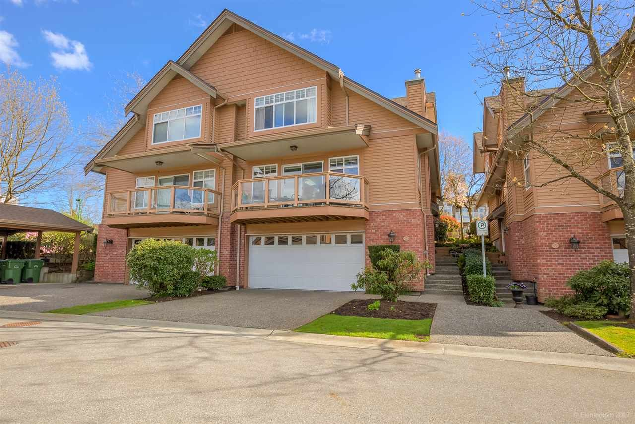 """Main Photo: 2 5201 OAKMOUNT Crescent in Burnaby: Oaklands Townhouse for sale in """"HARLANDS"""" (Burnaby South)  : MLS®# R2161248"""