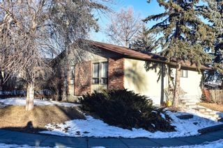 Photo 2: 164 Berwick Way NW in Calgary: Beddington Heights Detached for sale : MLS®# A1063765