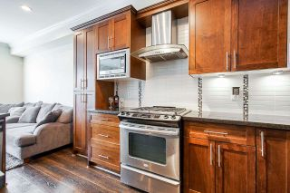 """Photo 5: 21125 80 Avenue in Langley: Willoughby Heights Condo for sale in """"Yorkson"""" : MLS®# R2394330"""