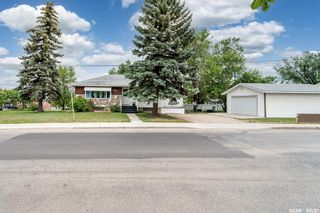 Photo 3: 1301 3rd Avenue Northwest in Moose Jaw: Central MJ Residential for sale : MLS®# SK862915