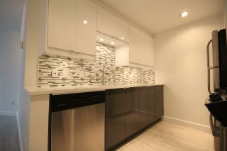 """Photo 6: 508 1009 EXPO Boulevard in Vancouver: Yaletown Condo for sale in """"Landmark 33"""" (Vancouver West)  : MLS®# R2022624"""
