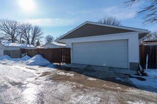 Photo 38: 19 Russenholt Street in Winnipeg: Crestview Residential for sale (5H)  : MLS®# 202104360