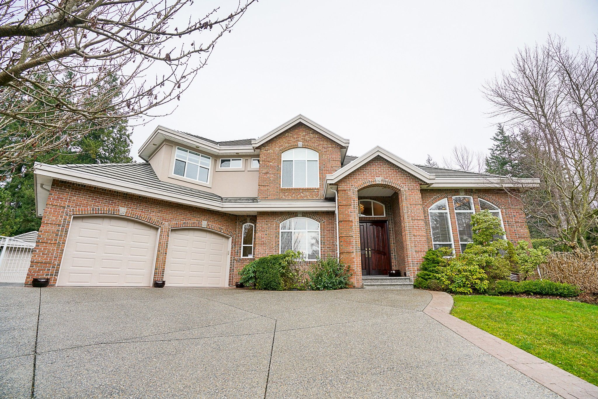 """Main Photo: 13711 22B Avenue in Surrey: Elgin Chantrell House for sale in """"CHANTRELL PARK"""" (South Surrey White Rock)  : MLS®# R2237432"""