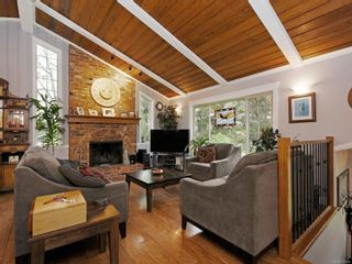 Photo 2: 923 Stellys Cross Rd in : CS Brentwood Bay House for sale (Central Saanich)  : MLS®# 875088