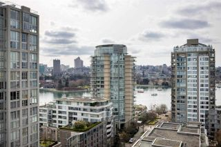 Photo 11: 1906 1201 MARINASIDE CRESCENT in Vancouver: Yaletown Condo for sale (Vancouver West)  : MLS®# R2582285
