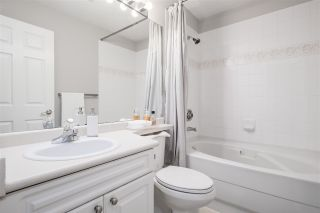"""Photo 25: 35 5950 OAKDALE Road in Burnaby: Oaklands Townhouse for sale in """"HEATHERCREST"""" (Burnaby South)  : MLS®# R2536140"""
