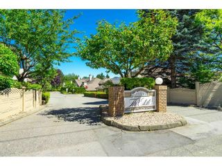"""Photo 1: 31 6140 192 Street in Surrey: Cloverdale BC Townhouse for sale in """"The Estates at Manor Ridge"""" (Cloverdale)  : MLS®# R2594172"""