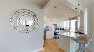 Photo 8: 3103 1201 MARINASIDE Crescent in Vancouver: Yaletown Condo for sale (Vancouver West)  : MLS®# R2575825