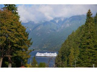 Photo 1: 6830 HYCROFT RD in West Vancouver: Whytecliff House for sale : MLS®# V971359
