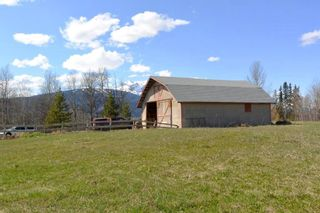 Photo 19: 200 LAIDLAW Road in Smithers: Smithers - Rural House for sale (Smithers And Area (Zone 54))  : MLS®# R2453029