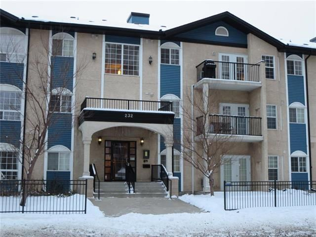 1,018 sq.ft., 2 Br 2 Baths, Elevator, Parking, All utilities incl.