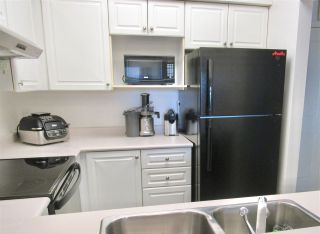 """Photo 12: 406 2105 W 42ND Avenue in Vancouver: Kerrisdale Condo for sale in """"BROWNSTONE"""" (Vancouver West)  : MLS®# R2552680"""
