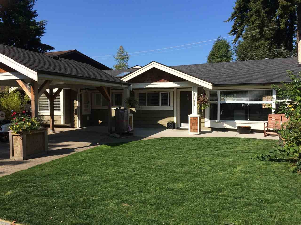 """Main Photo: 1371 OAKWOOD Crescent in North Vancouver: Norgate House for sale in """"Norgate"""" : MLS®# R2097548"""
