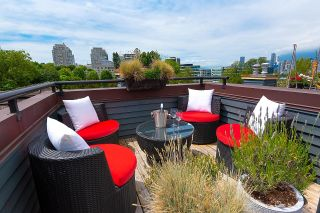 """Photo 2: PH1 380 W 10TH Avenue in Vancouver: Mount Pleasant VW Townhouse for sale in """"Turnbull's Watch"""" (Vancouver West)  : MLS®# R2603176"""