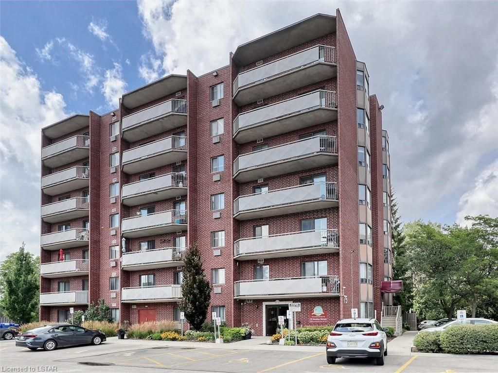 Main Photo: 705 75 HUXLEY Street in London: South E Residential for sale (South)  : MLS®# 40153300