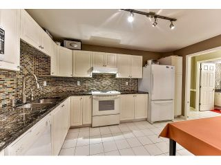 Photo 9: 304 7171 121 Street in Surrey: West Newton Condo for sale : MLS®# R2029159