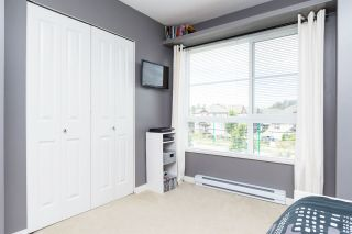 """Photo 13: 25 19477 72A Avenue in Surrey: Clayton Townhouse for sale in """"Sun at 72"""" (Cloverdale)  : MLS®# R2094312"""