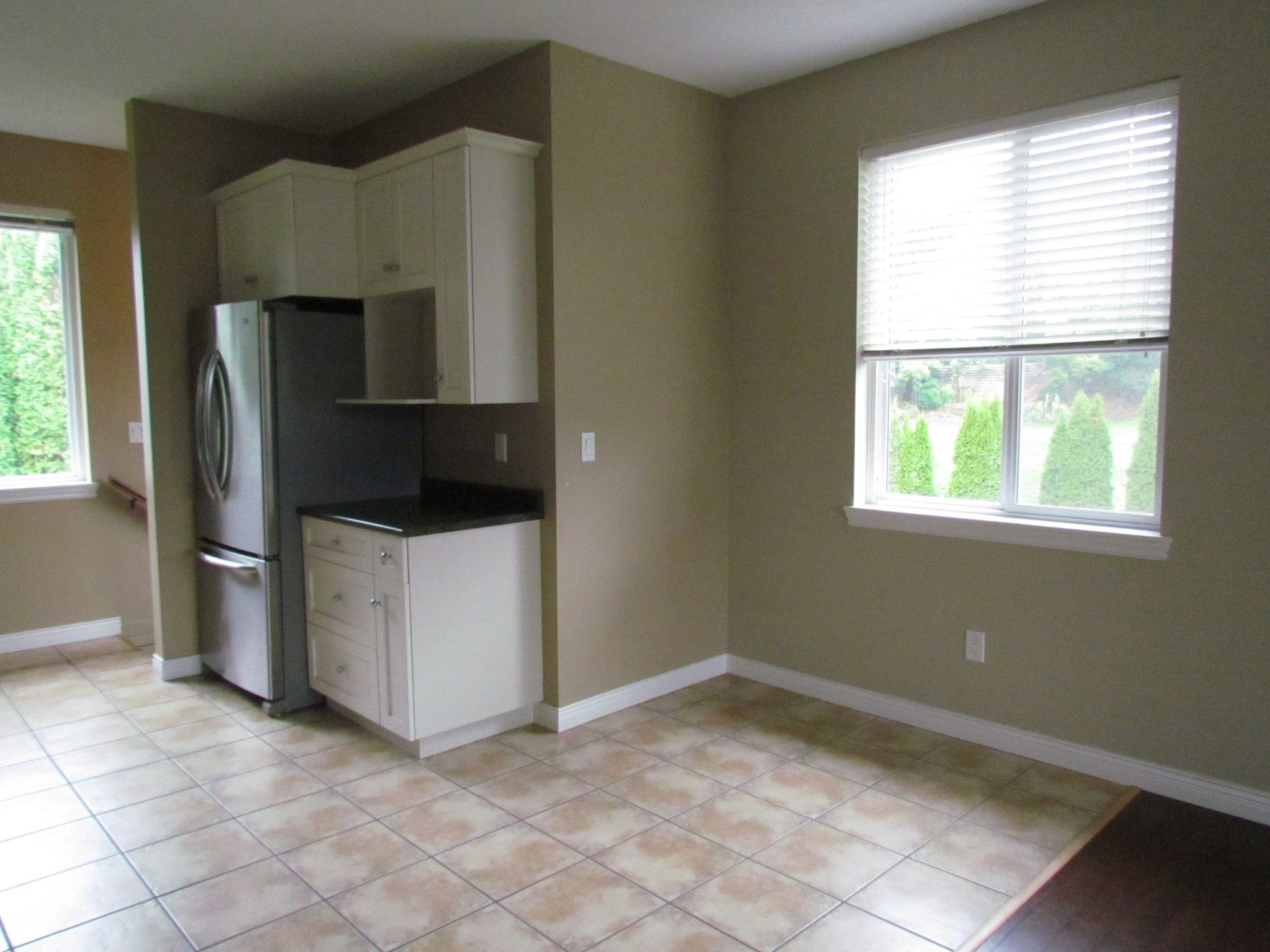 Photo 13: Photos: Suite 35158 Rockwell Dr. in Abbotsford: Abbotsford East Condo for rent